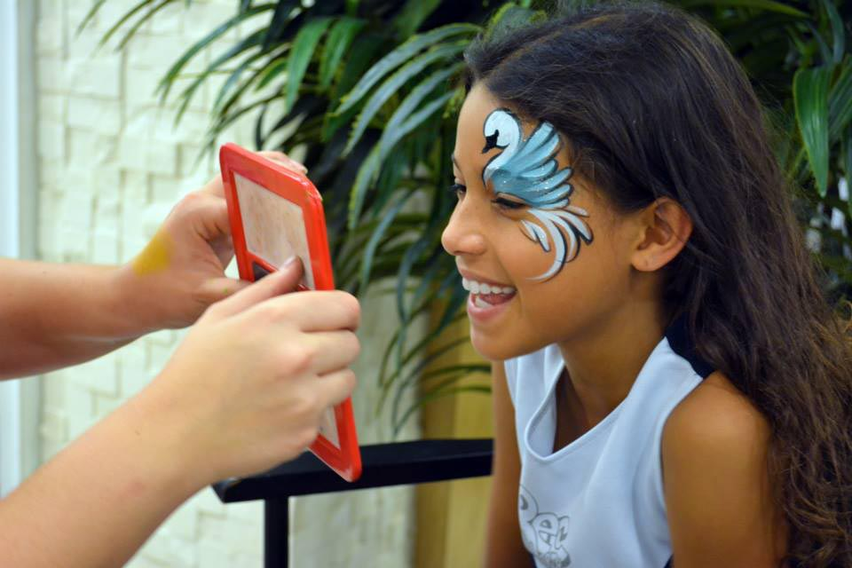 Hire-a-Face-Painter-for-your-birthday-party